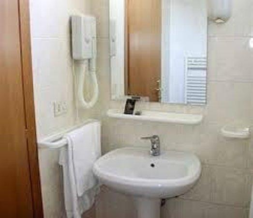 Hotel Industrial: bagno