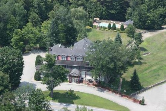 Friends Lake Inn: Helicopter View