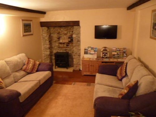 Halstock, UK: Guest Living Room