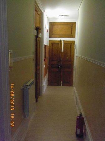 Residencial Primavera: Entrada do alojamento