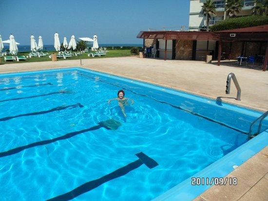 Sharon Hotel : Бассейн с морской водой