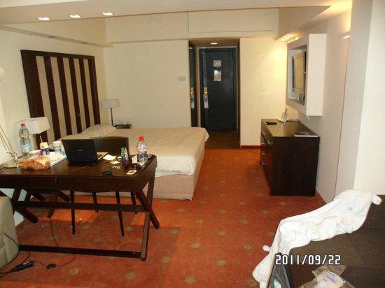 Sharon Hotel : Номер отеля с выходом к бассейну. №40