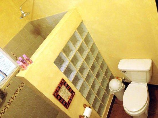 Casa Laguna: Bathroom 1