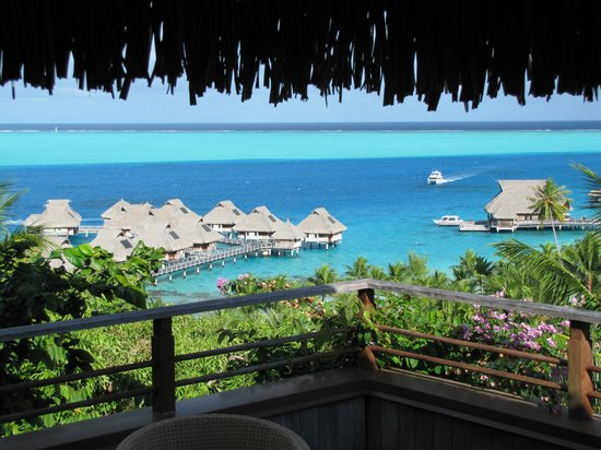 Conrad Bora Bora Nui: Taken from the spa on the hill top