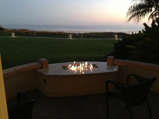 The Ritz-Carlton, Laguna Niguel: Gas fireplace on the patio