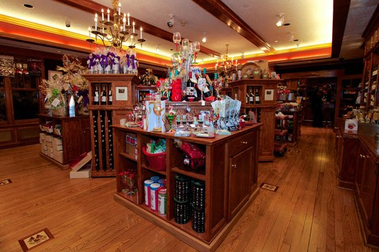 Lynfred Winery: Gift shop