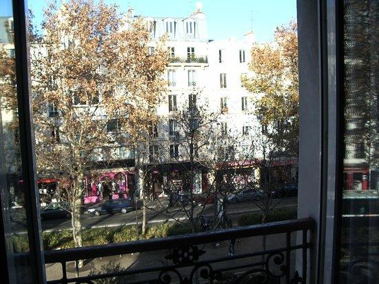 Avenir Hotel: Vista camera