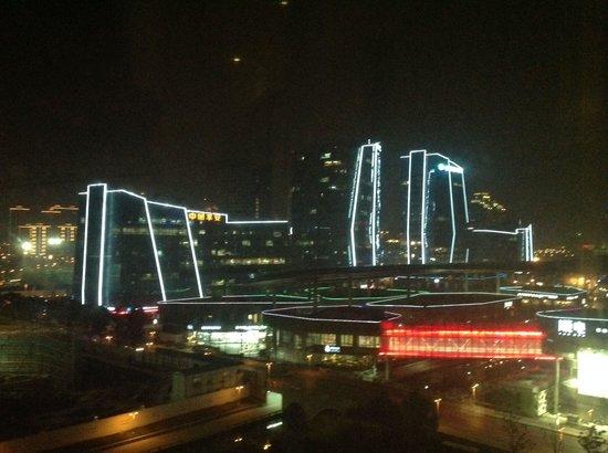 InterContinental Suzhou: Ausblick Richtung Times Square nachts