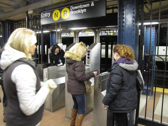 Real New York Tours: Learning the subway with Mindy