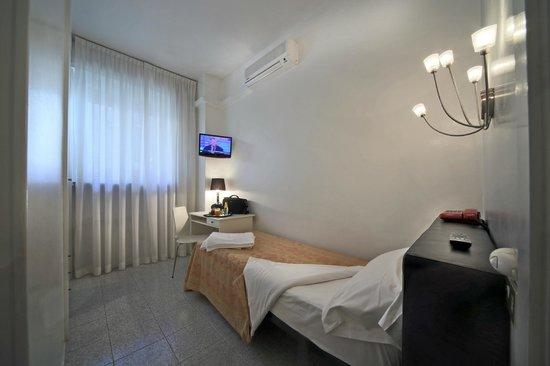 Cristallo Hotel Brescia: camera singola