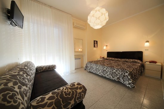 Cristallo Hotel Brescia: camera tripla