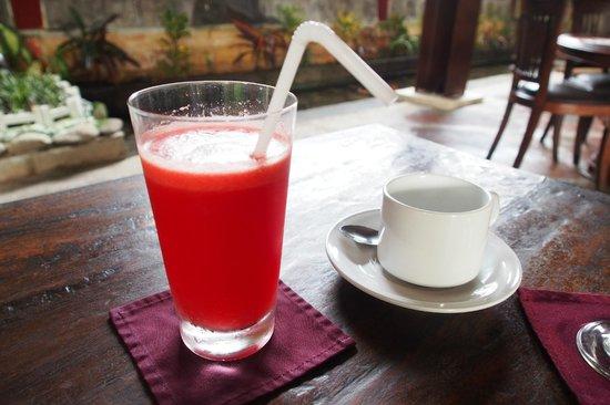 Junjungan Ubud Hotel and Spa: Watermelon juice