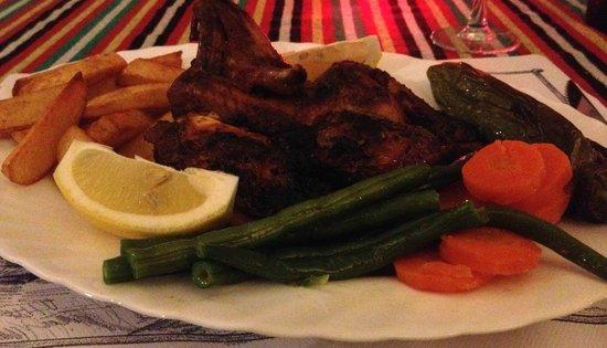Hotel Pension La Vista: Grilled baby chicken