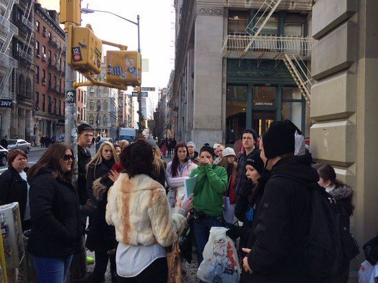 Shop Gotham NYC Shopping Tours : Getting the 411 on Soho cast iron architecture while shopping the area!