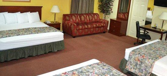 Executive Inn & Suites : Superior Suite
