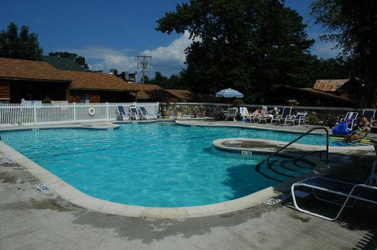 Depe Dene Resort: Enjoy the Depe Dene heated pool