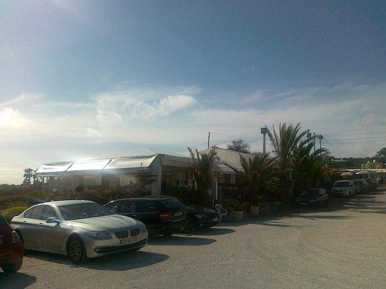 Restaurante Mar do Inferno : From the convenient restaurant parking lot