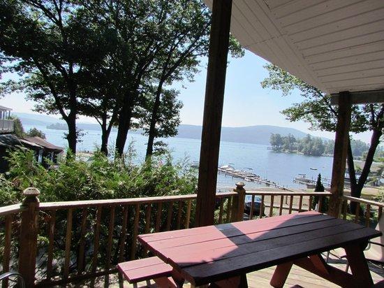 Depe Dene Resort: Numerous Spots to Enjoy the Views of Lake George