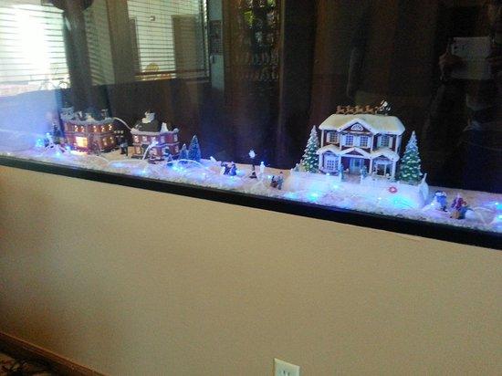 Super 8 Oklahoma City: Christmas Decor