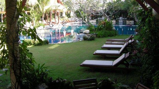 Mae Pim Resort Hotel : Pool area