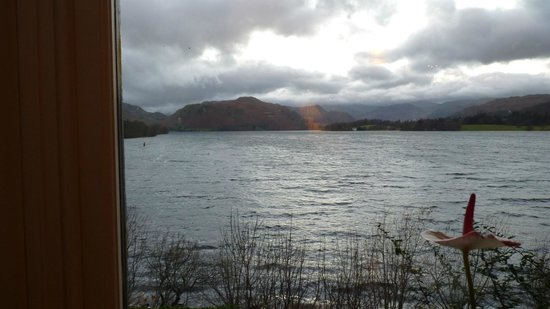 Sharrow Bay : Lake view from dining room