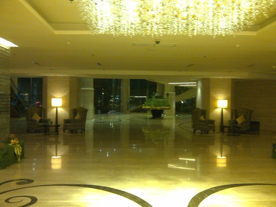 Wyndham Surabaya: Lobby