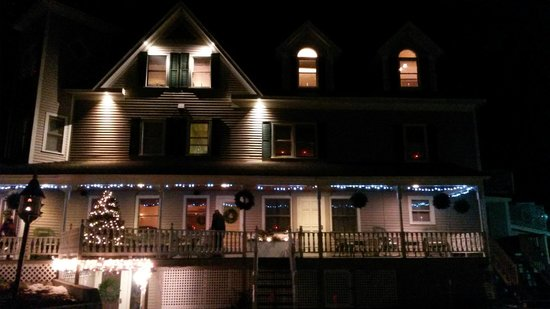 Bernerhof Inn Bed and Breakfast: Holiday Season View