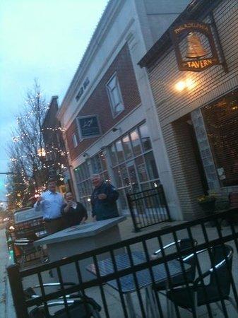 The Philadelphia Tavern: Outdoor seating!