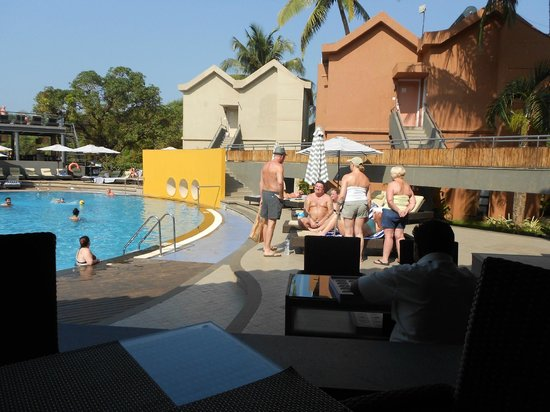 Whispering Palms Beach Resort: Pool view