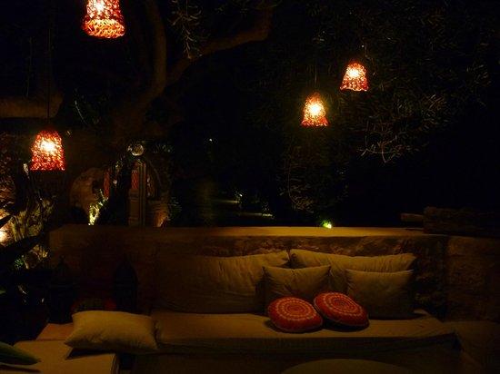 Paliokaliva Village: Low lighting near dining / pool area