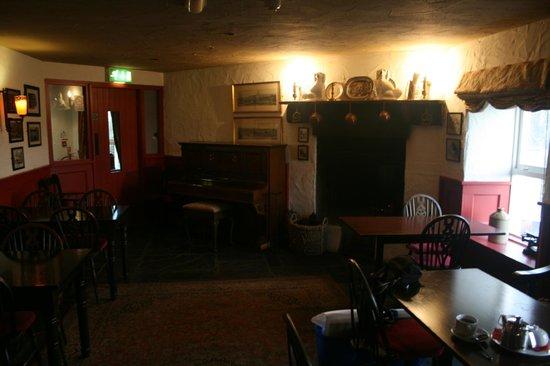Billy Andy's: Ye olde fireplace.