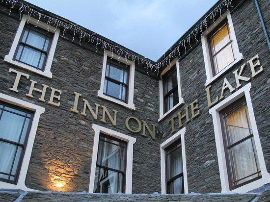 Inn on the Lake: Hotel Name at Entrance