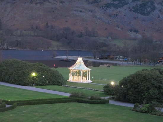 Inn on the Lake: View of the Grounds from Room 11 at Dusk