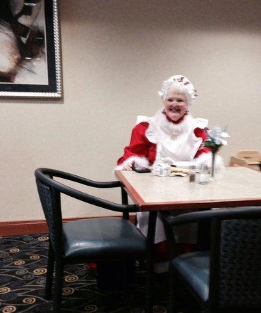 Wingate by Wyndham Bridgeport: Mrs Santa Claus visiting the Wingate