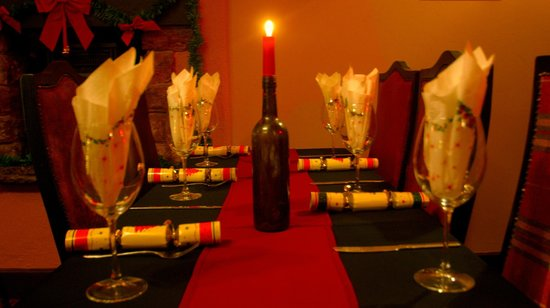 Rose and Crown: Christmas table set