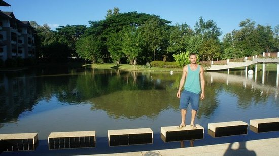 Le Meridien Chiang Rai Resort : Lago