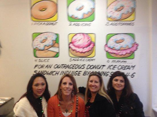 Manhattan Walking Tour: What awesome donuts!!!