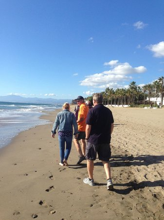 Marriott's Marbella Beach Resort: Stroll on the beach