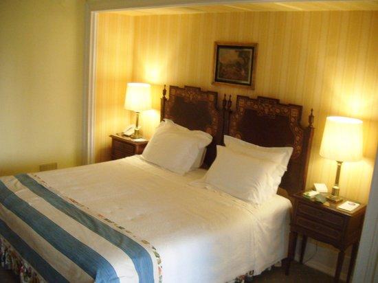 Hotel Avenida Palace: Habitación.