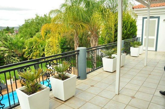 Pictures Guest House: Balkon