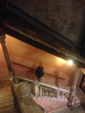 Hotel Pausania : staircase to rooms