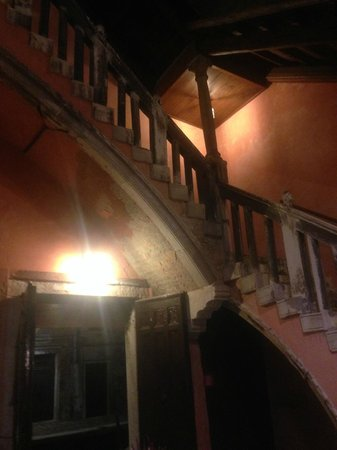 Hotel Pausania: more staircase