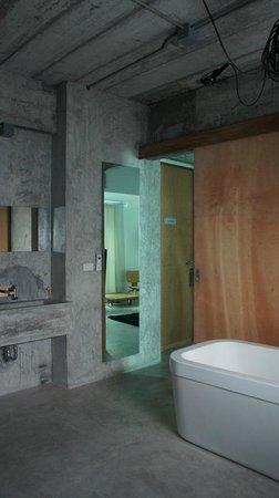 ELLA Bed: WC