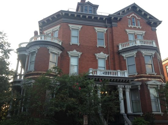 Free Savannah Tours: Kehoe House