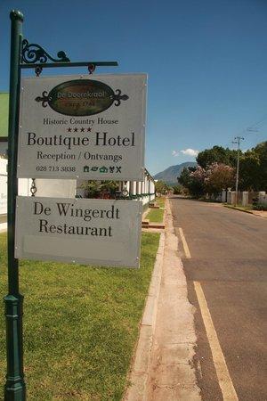 De Doornkraal Historic Country House Boutique Hotel: Streetscape