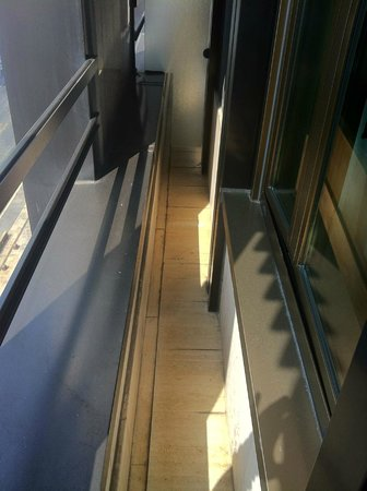Hilton Milan: Very Small Balcony Outside an Executive Queen Room