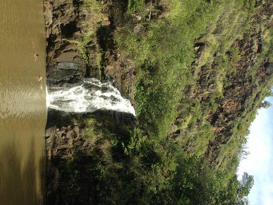 Waimea Valley: Waterfall