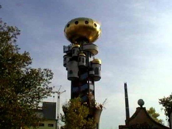 Kuchlbauer-Hundertwasser-Turm: Der Hundertwasserturm.