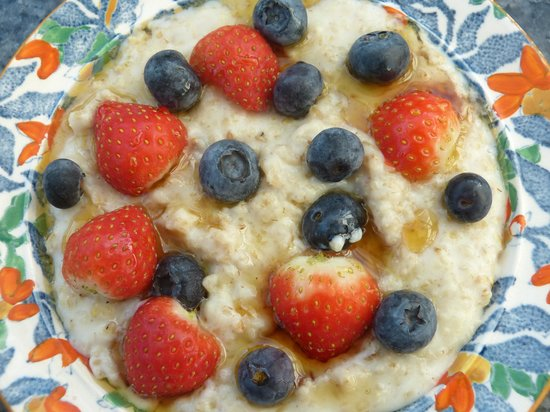 Manorbier Bed and Breakfast: Porridge with fresh berries and Maple Syrup from my Pembrokeshire Coast Path Breakfast menu