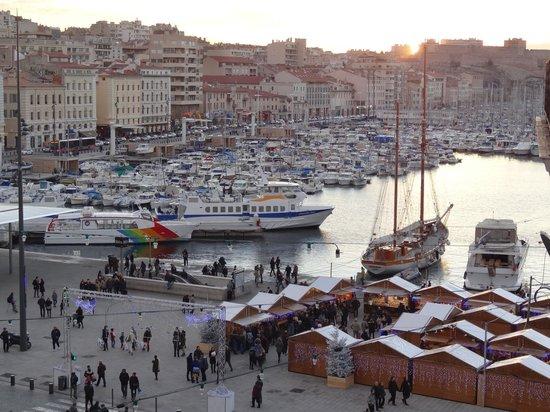 Escale Oceania Marseille Vieux Port : Vue du balcon de la chambre 402